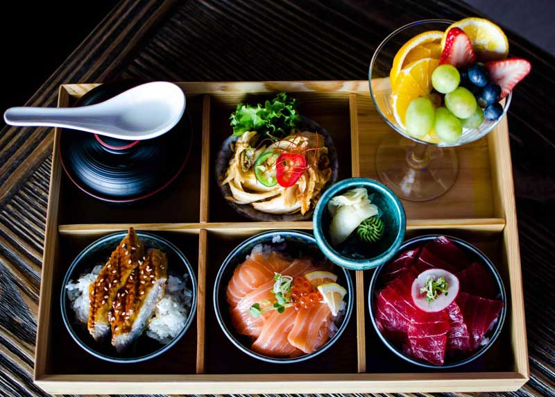 moon-thai-and-japanese-restaurant-3.jpg