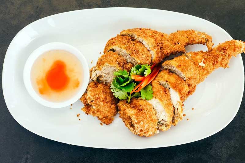 moon-thai-and-japanese-restaurant-4.jpg