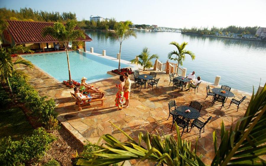 pelican-bay-hotel-3.jpg