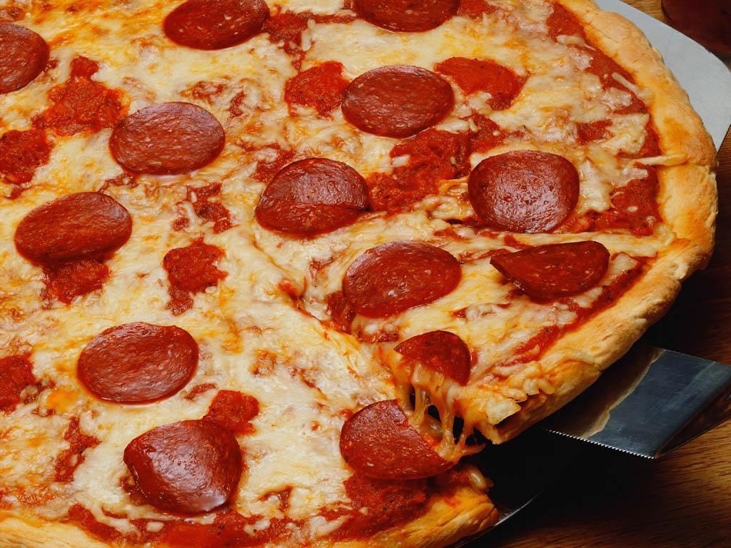clinos-pizzeria-pasta-and-things-1.jpg
